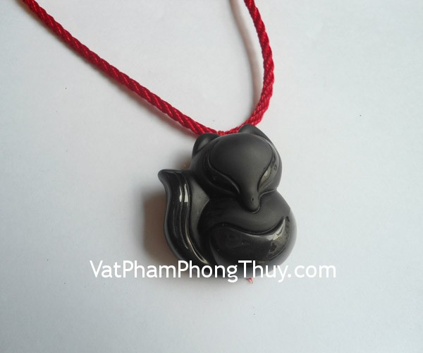 ho-ly-thach-anh-den-lon-s5139